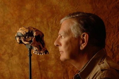 Donald Johanson with the Lucy skull
